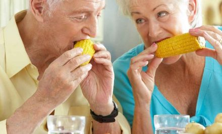 Ways to Get Seniors with Alzheimer's to Eat Healthy