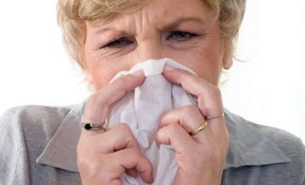 How to Help Your Senior Manage Their Allergies This Season